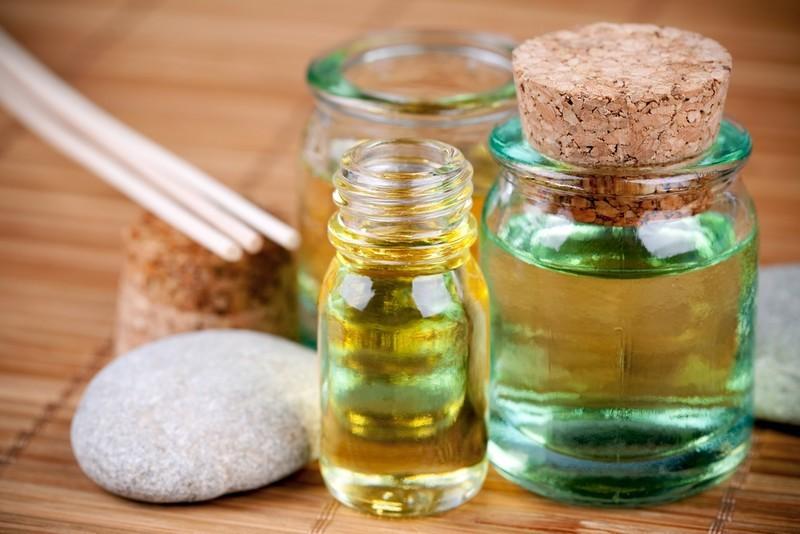 huiles essentielles et huiles végétales
